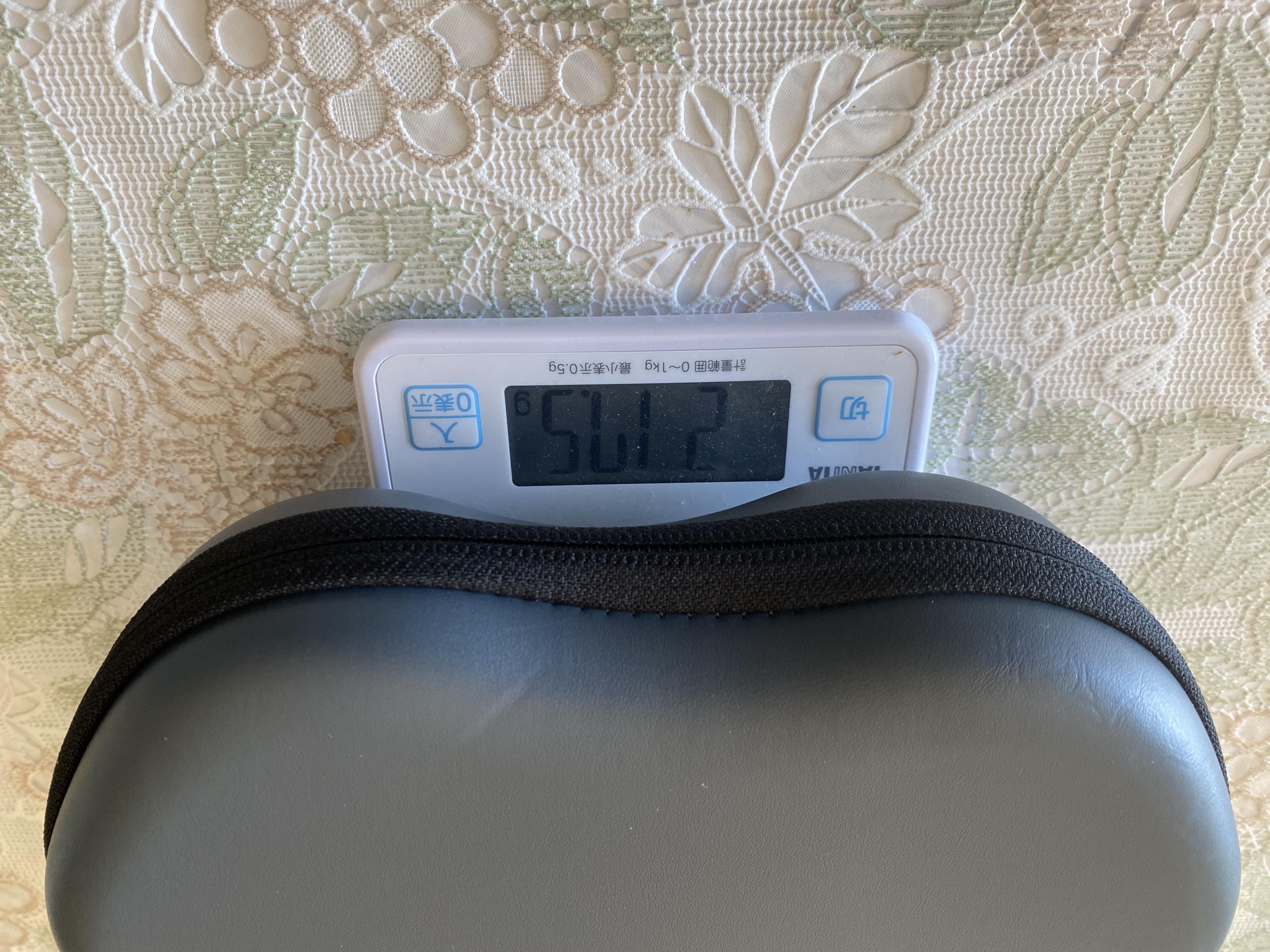 AirPods Maxケースの重量